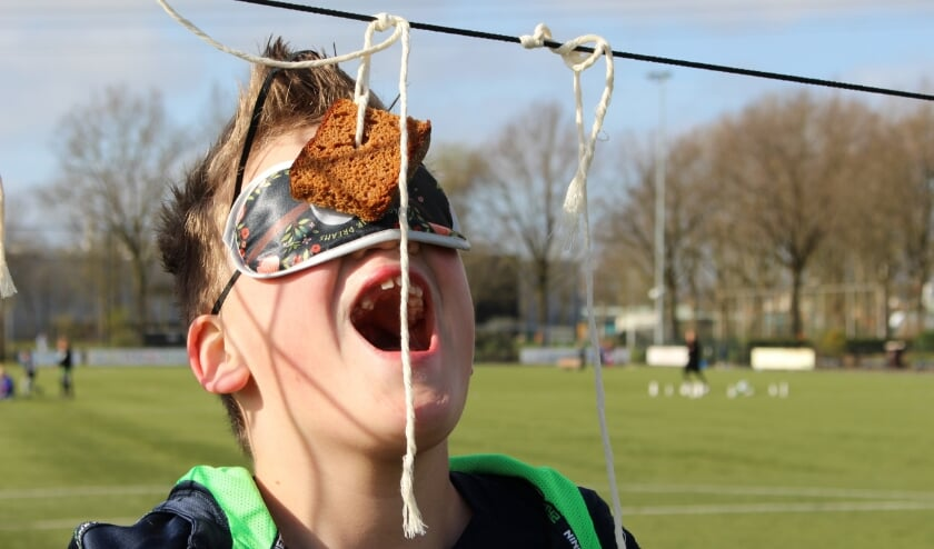 Naast voetbal was er ruimte voor oud hollandse spelen, zoals koekhappen.