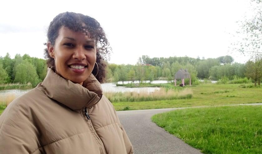 <p>Titia Kitambala (30) is Cultuurregisseur voor de gebieden Hoogvliet en Pernis. Haar meest favoriete plekje is Park de Heerlijkheid in Hoogvliet.&nbsp;</p>