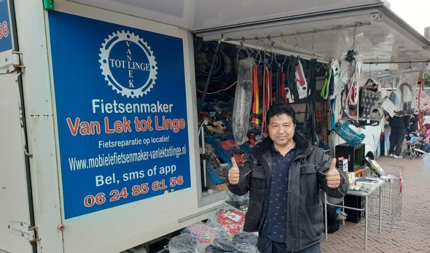 <p>Ondernemer Afshari is blij terug te zijn op de markt.</p>