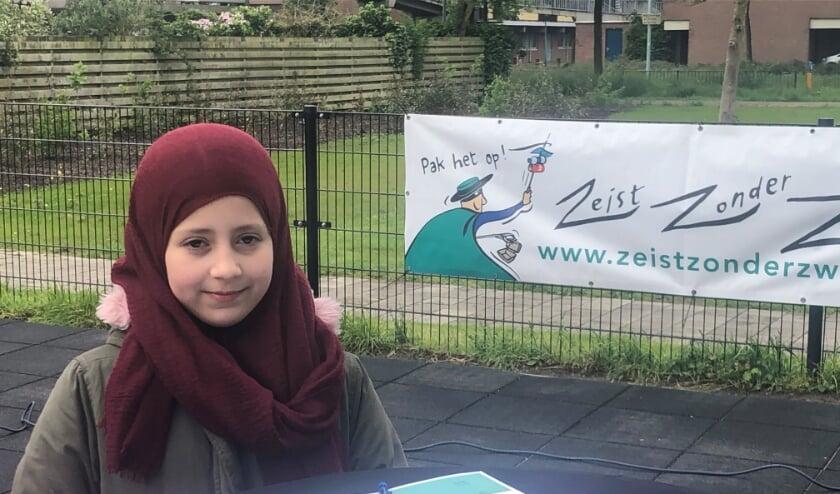 <p>Laila Bannouh mag namens haar school het convenant ondertekenen.</p>