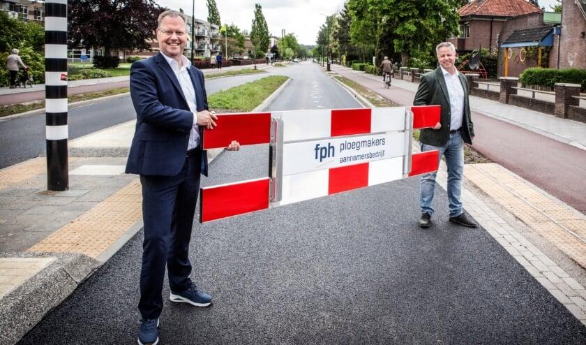 <p>Op de foto wethouder Engbert Stroobosscher (links) en directeur Gerbert Ploegmakers van aannemer FPH.</p>
