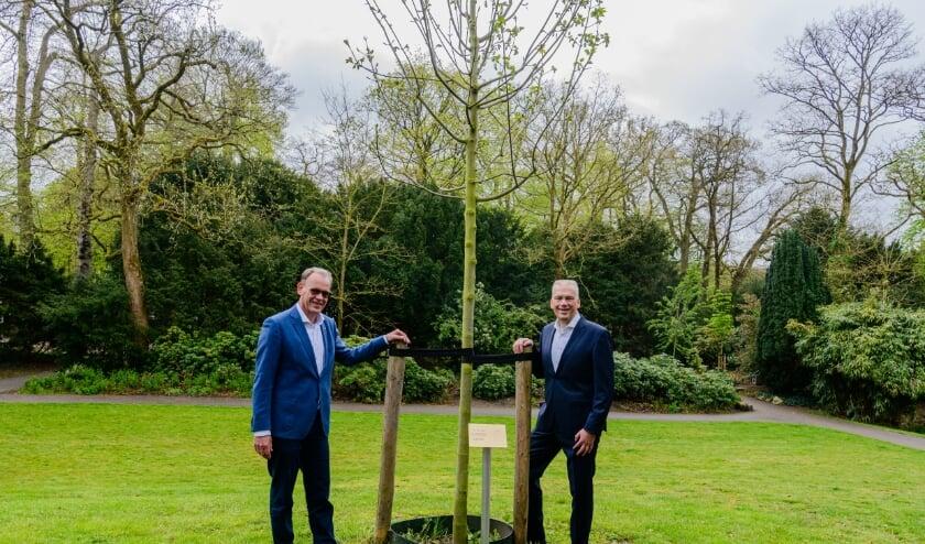 Dinsdagochtend 4 mei legden leden van het college van burgemeester en wethouders en afgevaardigden van de gemeenteraad kransen bij de verschillende monumenten in het Walkartpark en in Den Dolder ter nagedachtenis aan de slachtoffers van de Tweede Wereldoorlog.