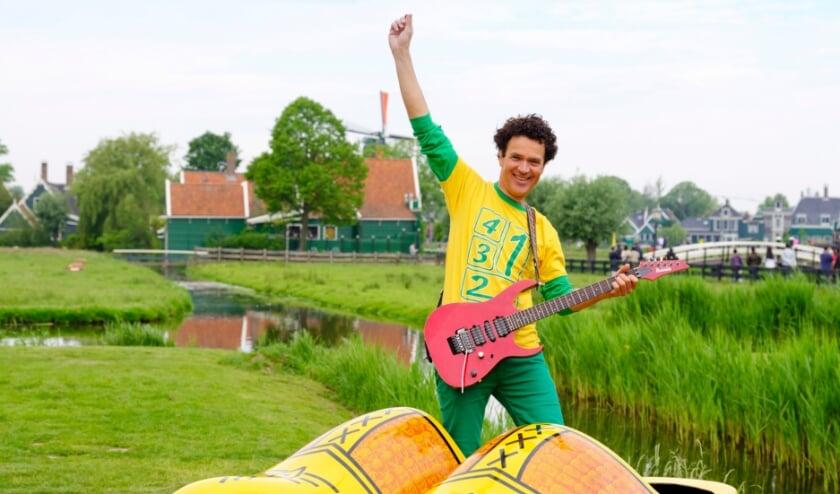 <p>Dirk Scheele komt naar Eindhoven met 'In Holland staat een huis'.</p>