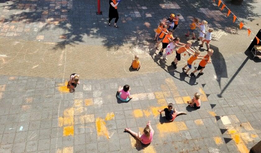 Polonaise over het schoolplein