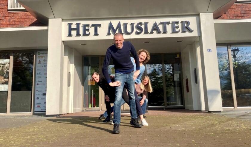 <p>Lead a normal life komt aanstaande zondag 20 juni naar Het Musiater.</p>
