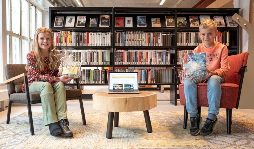 <p>Kinderburgemeesters Jasmijn Braam en Lars Evers zijn allebei boekenwurmen en komen graag in de bibliotheek.&nbsp;</p>