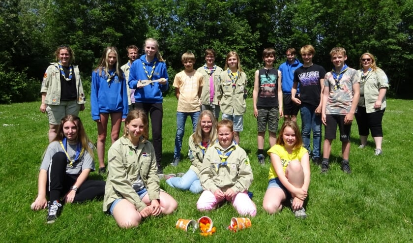 <p>Gian, Roos, Lotus en de andere scouts van Scouting Oostburg winnen de tweede prijs.&nbsp;</p>