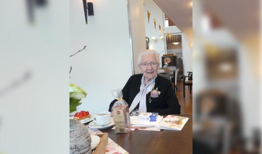 <p>Teuntje van Wijk-Kuipers is 100 jaar geworden.</p>