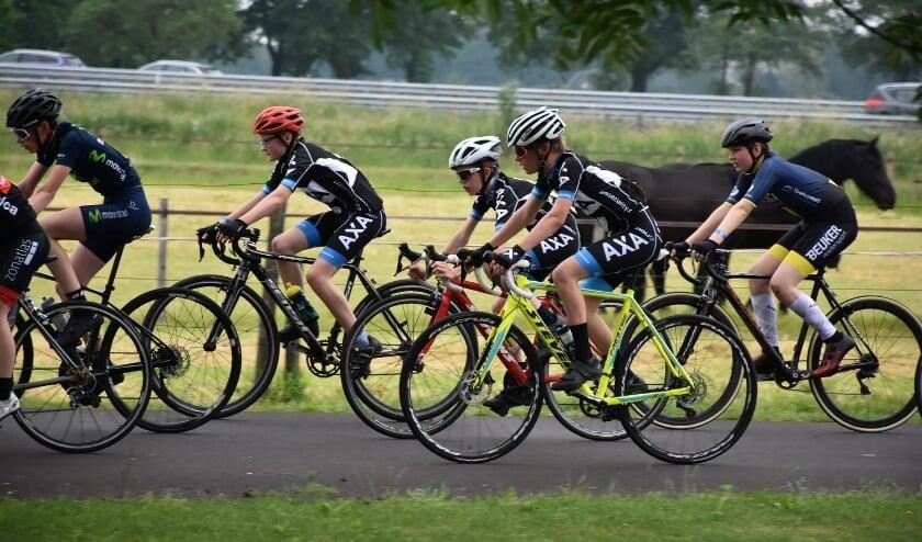 Eindelijk weer wielerwedstrijd voor jeugd Valleirenners