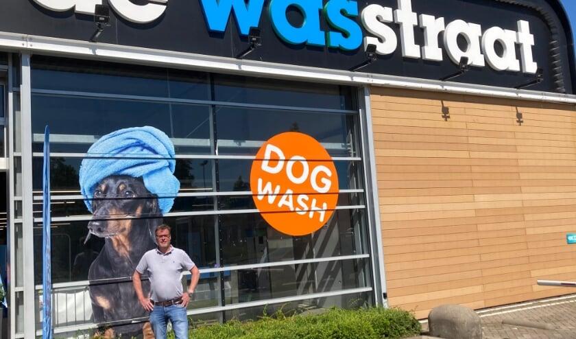 """<p>""""Ik wil dat klanten op een persoonlijke en vriendelijke manier worden benaderd, wanneer ze hier hun auto komen wassen"""", zegt Hans Buys. Foto: Roberto Cancian</p>"""