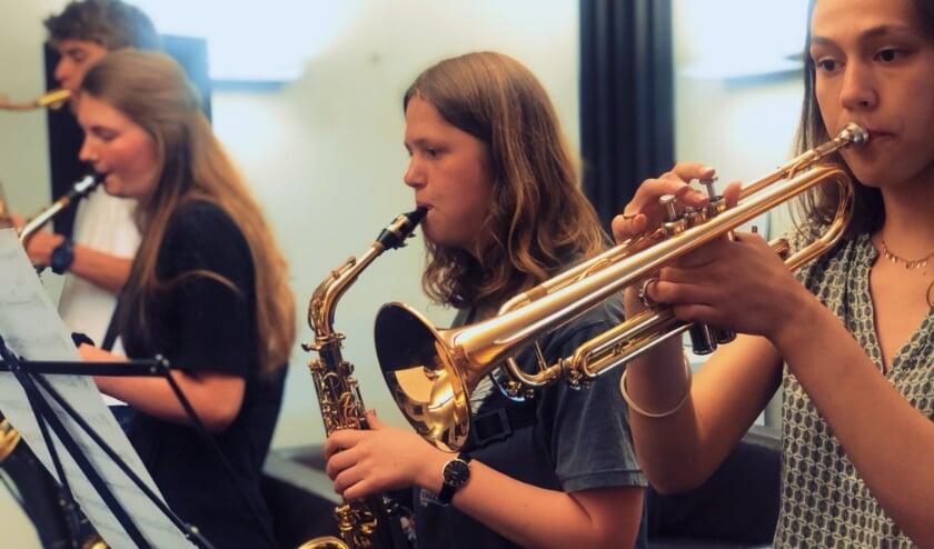 <p>Leerlingen van de muziekschool kunnen weer samen spelen</p>
