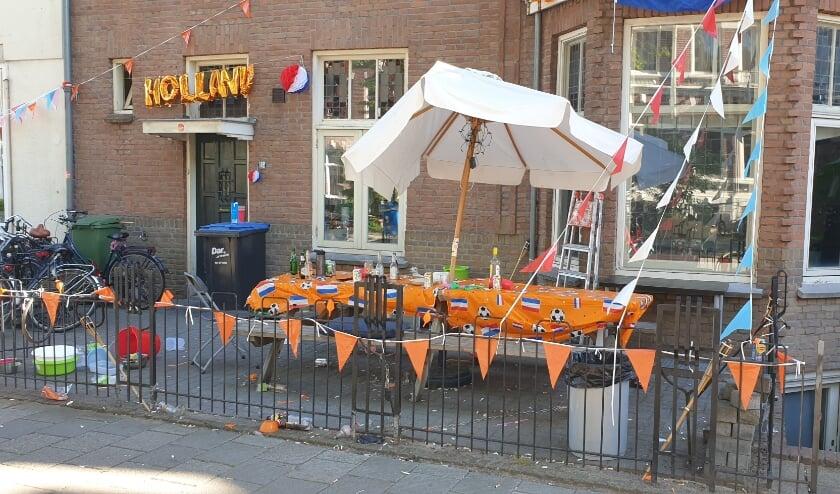 <p>Leeg terras na succesvol oranje op het EK</p>