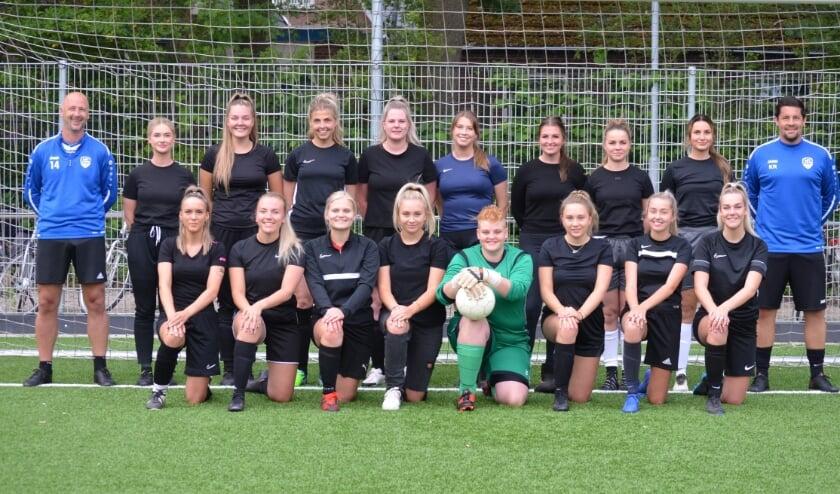 <p>FC Bergh heeft een nieuw dameselftal.</p>
