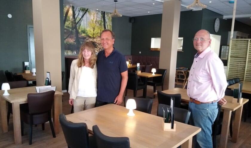 <p>Erica en John, samen met Marcel in Pannenkoekenhuis Renkum.&nbsp;</p>