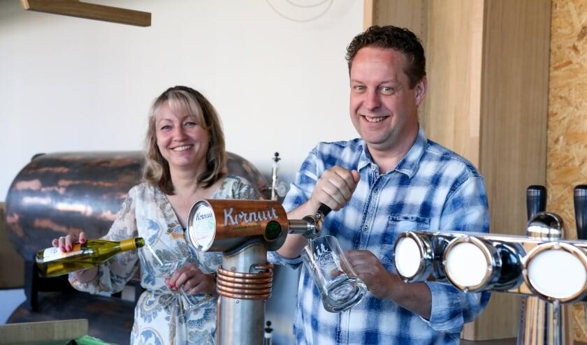 <p>Patricia Dhondt en Edwin Tunnissen beginnen na Brasserie Een Mooie Dag een tweede horecabedrijf in Duiven.</p>