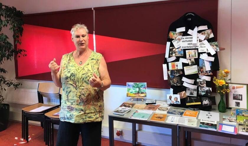 Anita van der Drift in het lokaal waar het Odensehuis zetelt