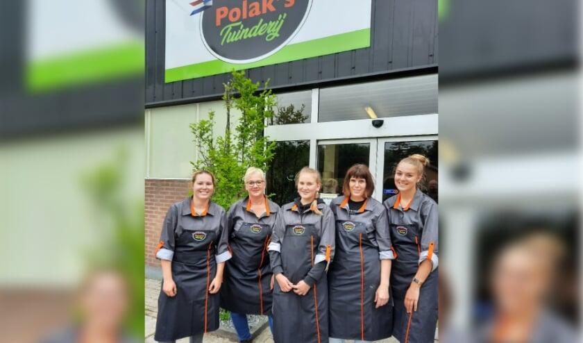 <p>Winkelteam Polak&rsquo;s Tuinderij in nieuw jasje</p>