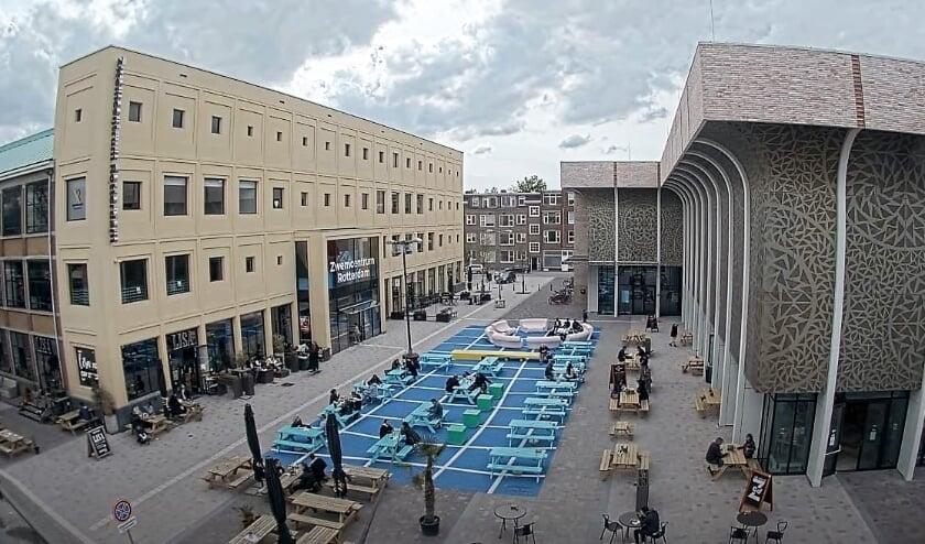 <p>Drie Toksjoo-locaties op &eacute;&eacute;n foto: links: Bar LISA, midden Annie MG Schmidtplein, rechts: Theater Zuidplein.&nbsp;</p>