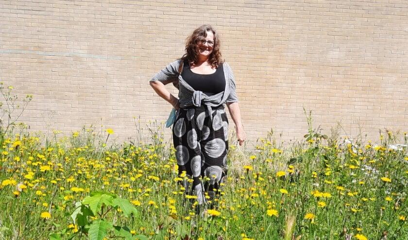 <p>Creatieve buurvrouw Dinie de Waal</p>