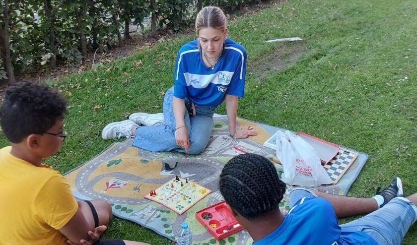 <p>Overal in de stad moeten er activiteiten komen voor Rotterdamse kinderen, als Eeuwcadeau van de studenten van RSC.</p>