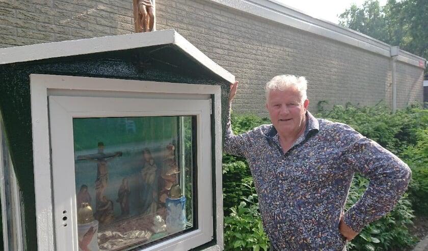 Henky Donkervoort bouwde een kapelletje om woonwagenbewoners een hart onder de riem te steken