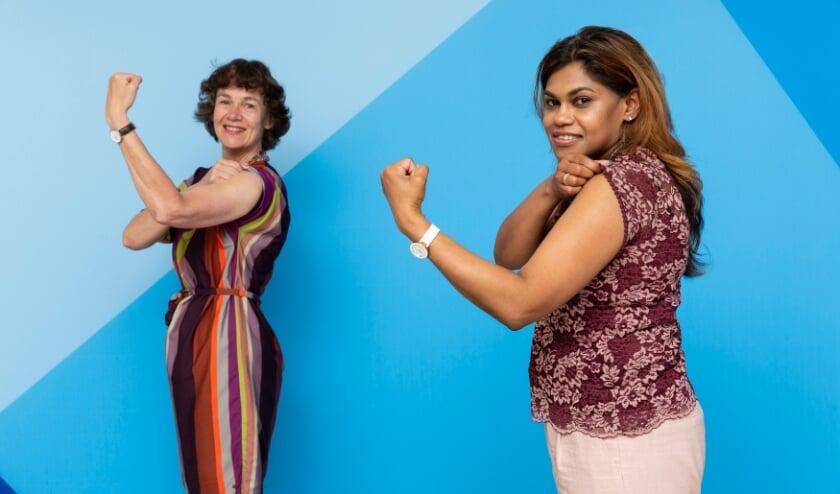 <p>Wethouder Kavita Parbhudayal en de directeur van de GGD Annette de Boer stropen de mouwen op om zich te laten vaccineren.&nbsp;</p>