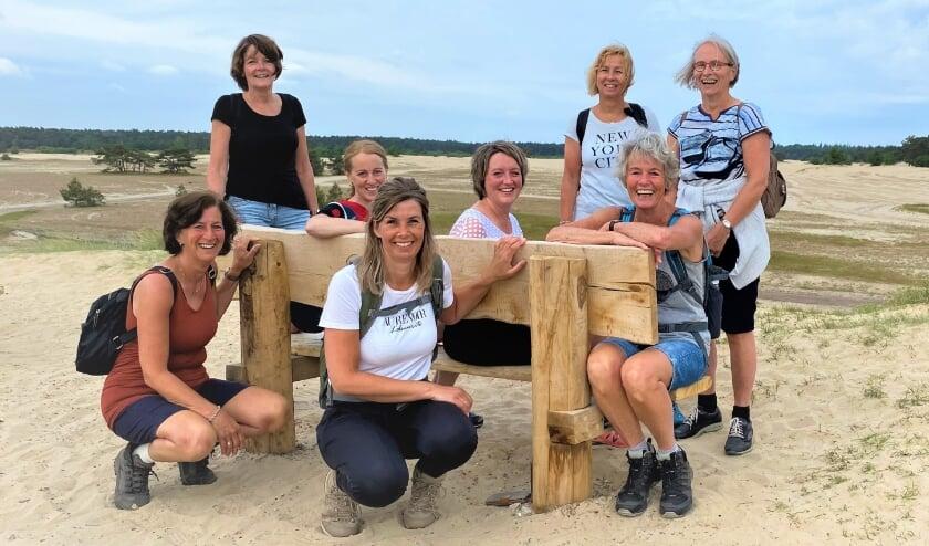 <p>Acht leden van de groep van dertien vrouwen die de pittige uitdaging aangaan.</p>