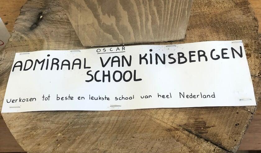 <p>&#39;Plaquette&#39; van de &lsquo;Oscar&rsquo; voor &lsquo;de Beste en Leukste school van Nederland&rsquo;.&nbsp;</p>