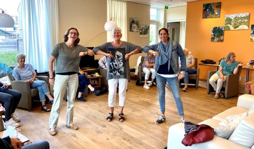<p>Ellen Vossen, Hart voor Woerden (links), Lotte Ruyten, Thuishuis (rechts) en Trudy Kroon, co&ouml;rdinerend vrijwilliger.&nbsp;</p>