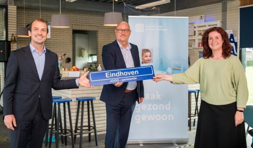 <p>vlnr: wethouder Stijn Steenbakkers, Thieu Smeets (directeur GGD Brabant-Zuidoost), wethouder Renate Richters&nbsp;</p>