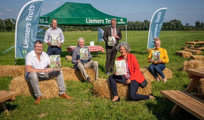 <p>De presentatie van het nieuwe magazine over Liemers Trots.</p>
