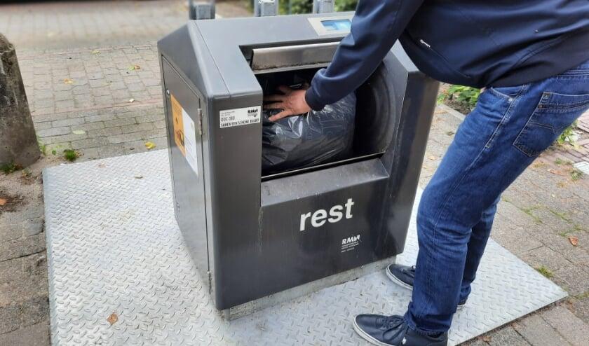 <p>Bewoners kunnen hun restafval kwijt in ondergrondse containers in de buurt.</p>