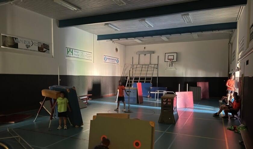<p>&nbsp;In de Kamphal genoten kinderen van het spannende Glow Sports.&nbsp;</p>