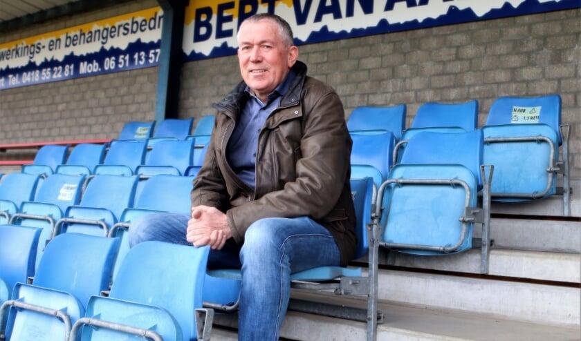 <p>Adri Sprong, voorzitter van Well is pijnlijk verrast door de wijze waarop zijn club door de KNVB wordt weggezet.&nbsp;</p>