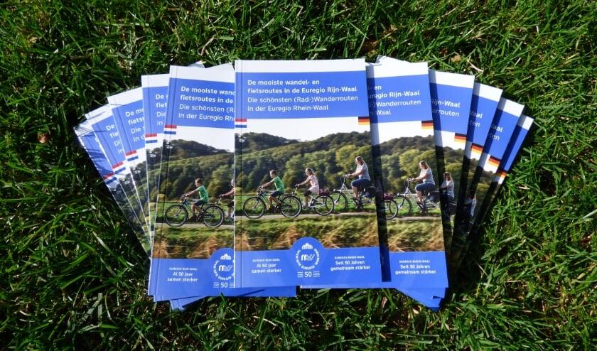 <p>De Euregio Rijn-Waal heeft de mooiste wandel- en fietsroutes in haar gebied gebundeld in een handig boekje.&nbsp;</p>