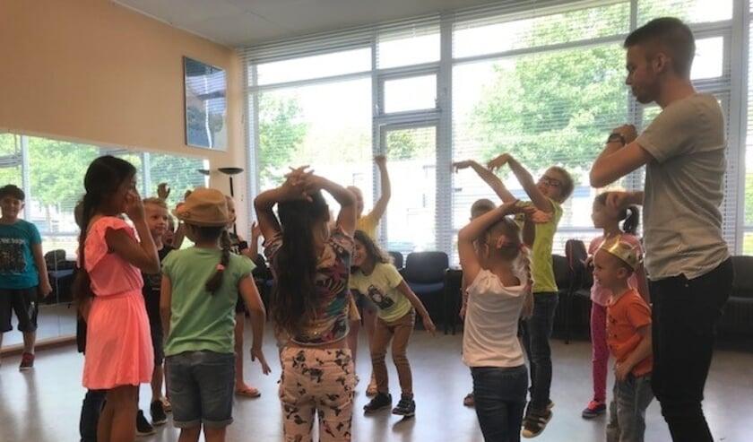 <p>Tijdens de Zomerschool wordt op een speelse wijze taalondersteuning geboden.</p>