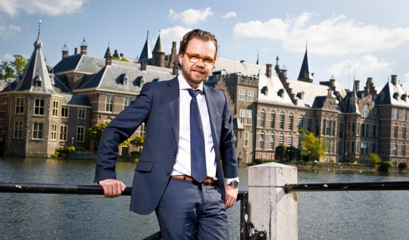 <p>Voormalig raadslid en wethouder in Veldhoven, Daan de Kort, heeft de lokale politiek verlaten. Hij streeft nu zijn ambities na als lid van de Tweede Kamer der Staten-Generaal.&nbsp;</p>