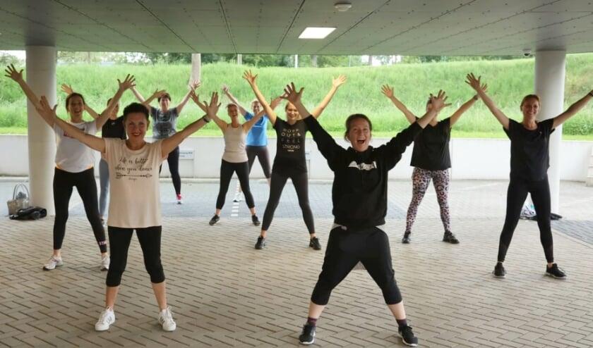 <p>Blijdschap bij Dansja: in de dans &eacute;n om de stimuleringsregeling, waarmee de gemeente opstartactiviteiten ondersteunt.&nbsp;</p>