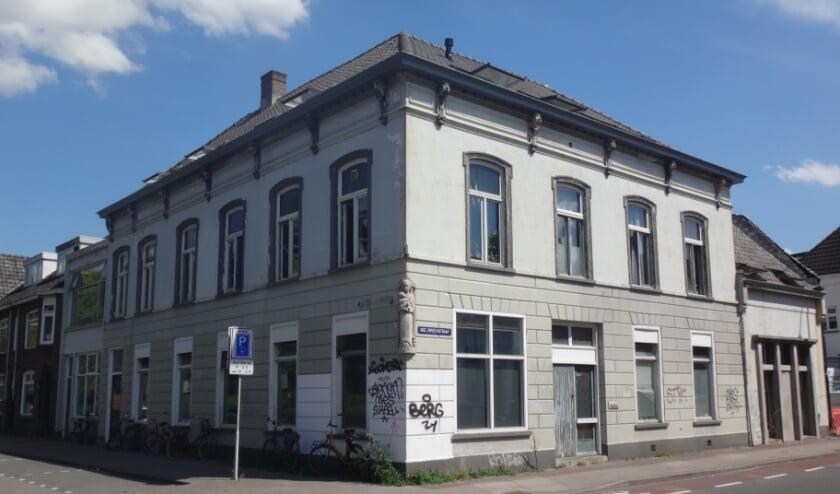 <p>Sinds de oorlog stond dit gebouw bekend als Sancta Maria, het gebouw waar de activiteiten plaatsvonden van het Wit-Gele Kruis </p>