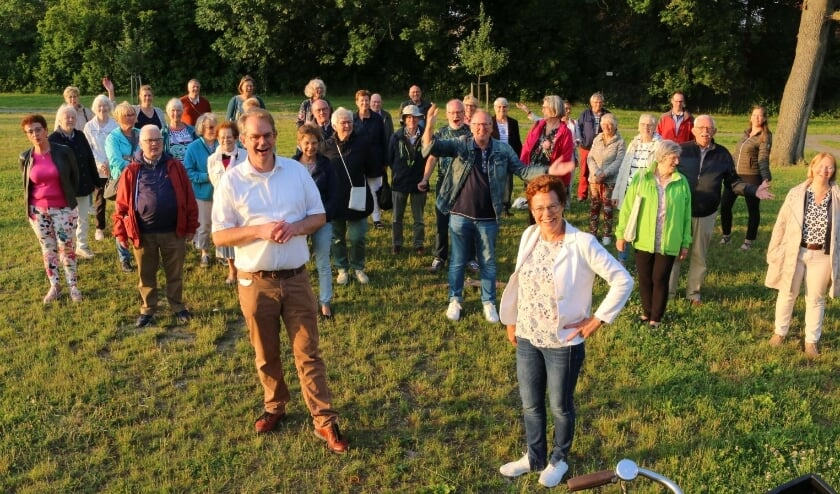 <p>Een eerste bijeenkomst na maanden op een zonnige zomeravond in het Kasteelpark: de COV-leden hebben er zin in!&nbsp;</p>