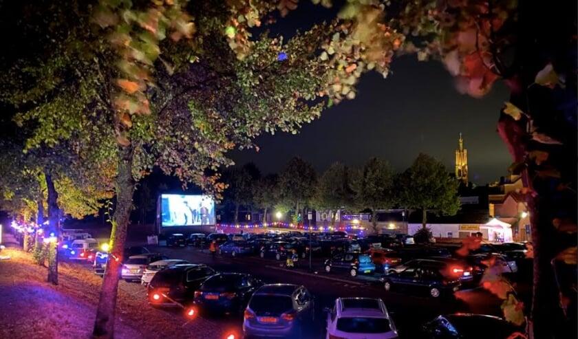 <p>Zomerfilm in Hulst organiseert op zaterdag 11 september voor het tweede jaar op rij een drive-in versie van de alweer twaalf jaar bestaande openluchtbioscoop.</p>