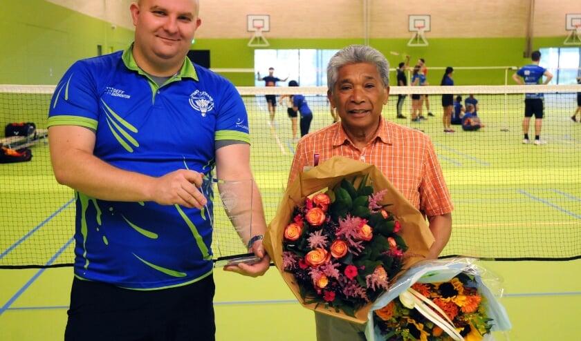 <p>Jeugdcommissaris Johan Jongenelis en jeugdtrainer Annis Lekransy.</p>