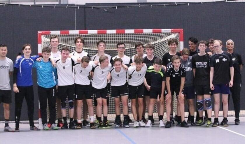<p>Handbal Utrecht; het resultaat van de samenwerking van drie handbalverenigingen - waaronder Shot&#39;73 - waarmee het jongenshandbal in de regio Utrecht weer op de kaart wordt gezet.</p>