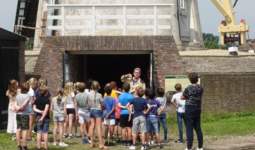 <p>De 27 kinderen hebben tijdens het uitstapje geleerd hoe het er in de molen aan toe gaan.</p>