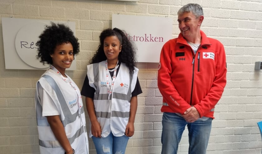 <p>Denayt en Feven met hun begeleider vanuit het Rode Kruis Jack Rijzewijk: &quot;Hij had altijd tijd voor je en was steeds heel vriendelijk.&quot;</p>