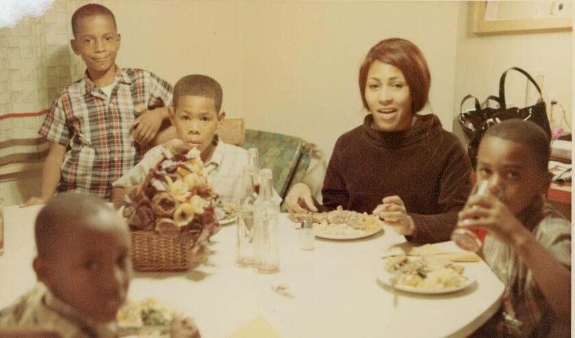 <p>In de documentaire Tina zijn diverse persoonlijke foto's van Tina Turner te zien.</p>