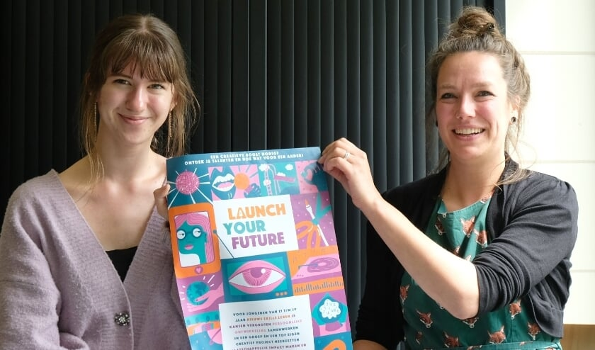 <p>Leana en Jessica zijn enthousiast over project Launch Your Future.</p>