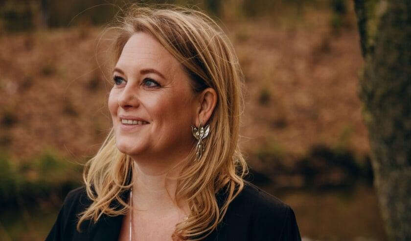 <p>&nbsp;Amanda Wams stuitte in Stadsarchief Rotterdam op de mythologische geboorte van Rotterdam.</p>