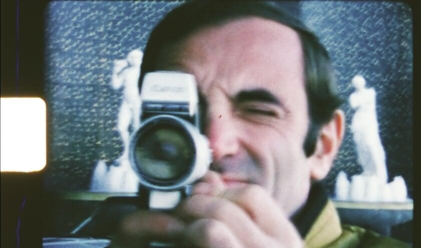 <p>Van 1948 tot 1982 filmt Aznavour zijn leven met een 16mm camera. Daar verschijnt nu een documentaire van.</p>