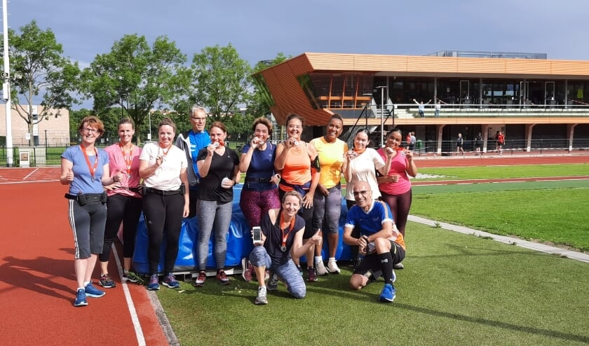<p>Leden van Eindhoven Atletiek willen graag laten zien hoe leuk de loopsport is. De beginnerscursus Start to Finish begint zaterdag 4 september om 09.00 uur op de atletiekbaan.</p>